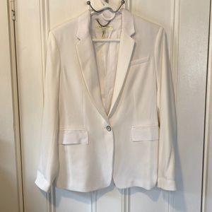Gorgeous white blazer